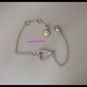 Chloe + Isabel Jewelry - Chloe + Isabel TAKE HEART Bracelet Silver Plated